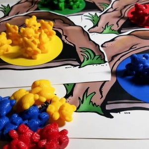 Math Manipulatives: Rainbow Counter Color and Size Sorting